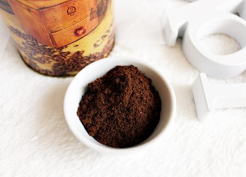 Jak zrobić peeling kawowy? Peeling kawowy domowej roboty, czyli domowe SPA