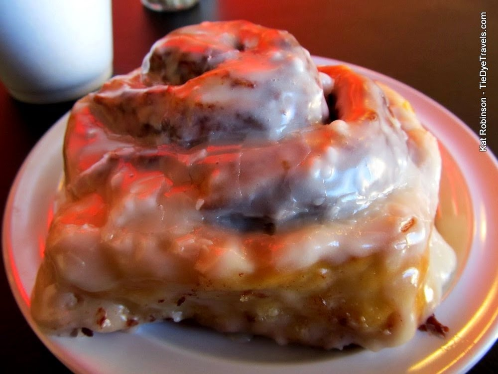 August 2014 tie dye travels with kat robinson arkansass most cinnamon roll at your mamas good food little rock forumfinder Image collections