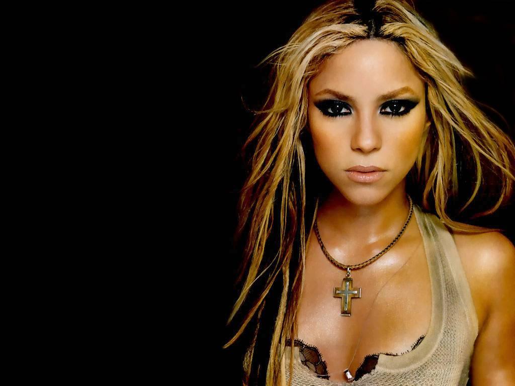 http://4.bp.blogspot.com/-y-vsRY8V30M/Tv3LqqsuC_I/AAAAAAAADDw/Dr0WdF8KwTc/s1600/Shakira+wallpaper+%252805%2529.jpg
