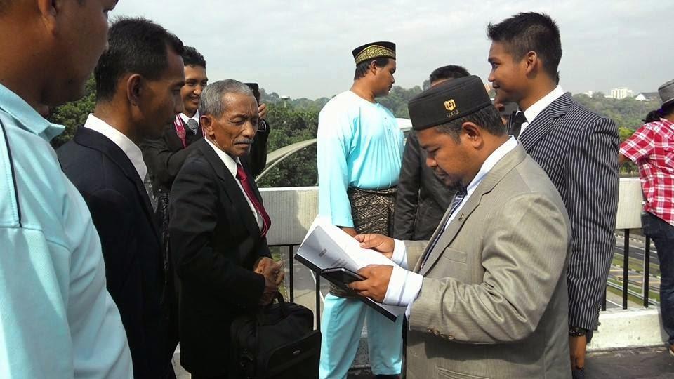 Demo Nelayan Terengganu di Parlimen