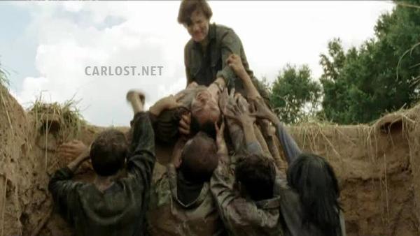 """The Walking Dead 4x07 """"Dead Weight"""" Promos, Sneek Peeks y Spoilers Spoiler-The-Walking-De3ad-4x07-Carlost-003"""
