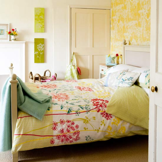 Cheerful Summer Interiors 50 Green And Yellow Kitchen: Summer Bedroom Decoration