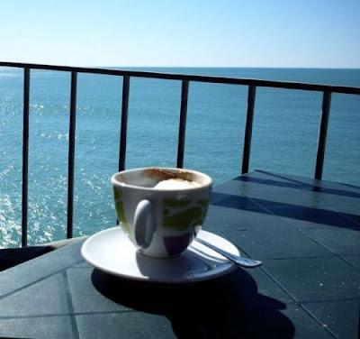 С чай или кафе в ръка спри се да си побъбрим сега!-3 - Page 6 Coffee%2Band%2BSea