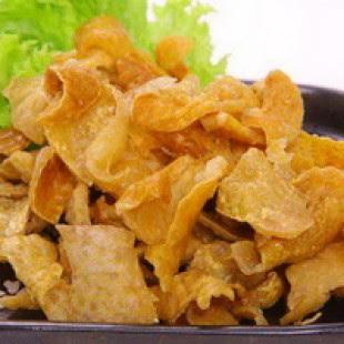 http://weresepmasakan.blogspot.com/2015/12/resep-kulit-ayam-goreng-enak-dan-renyah.html