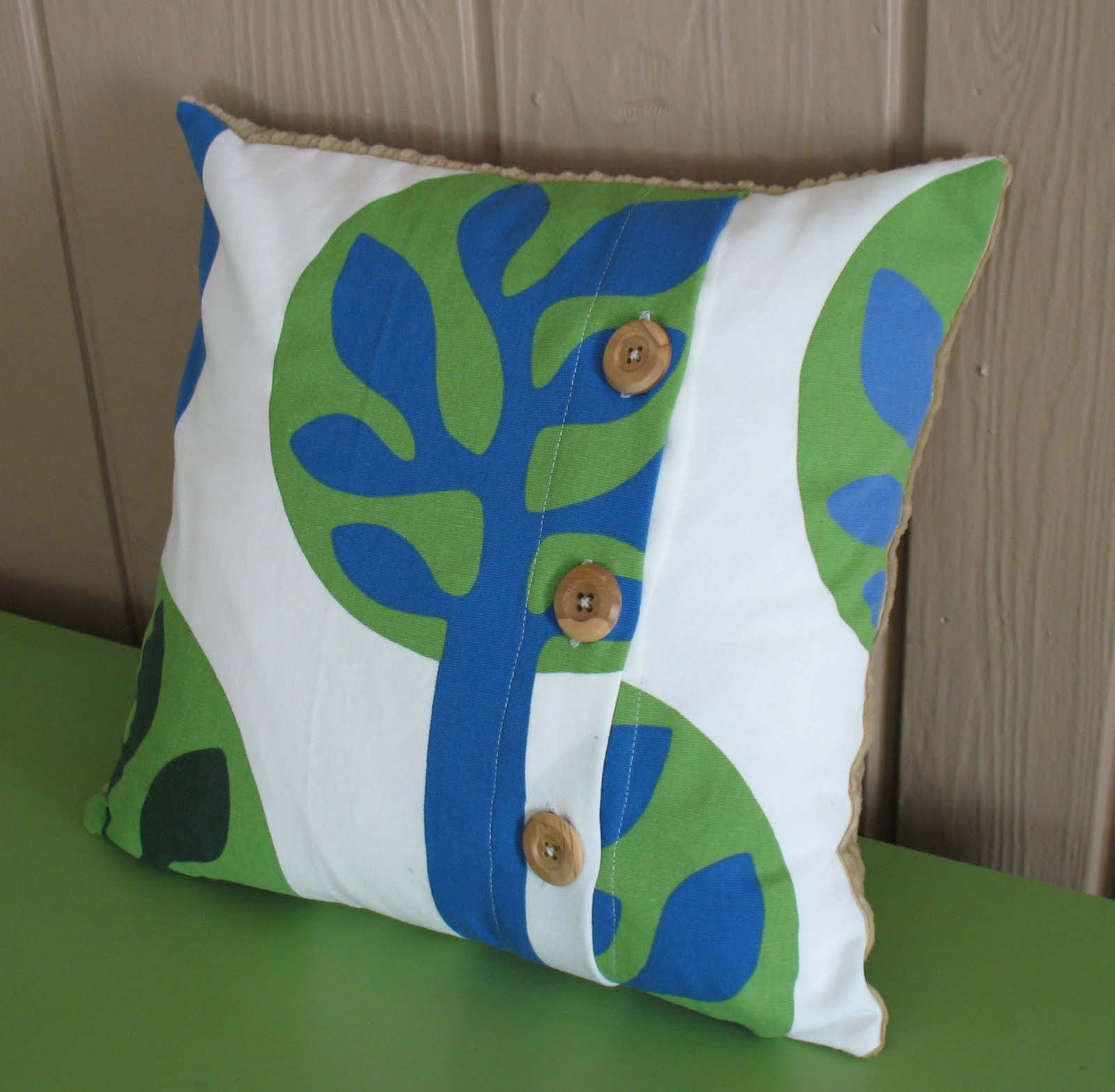 Throw Pillows With Buttons : a little about A LOT: Friday s Fantastic Finds {sewing}