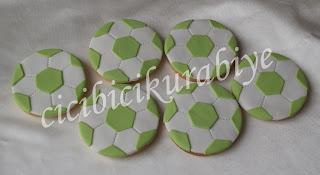 futbol topu kurabiye,top şeklinde kurabiye,