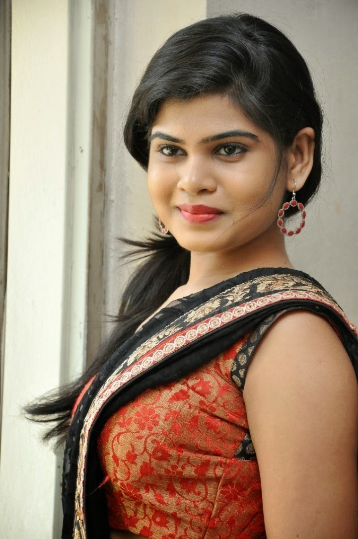 Alekhya Photos at veerudokkade Audio-HQ-Photo-17
