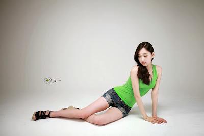 Hye Ji Sexy Model in Lime Green