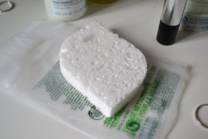 The Body Shop Soft Facial Sponge