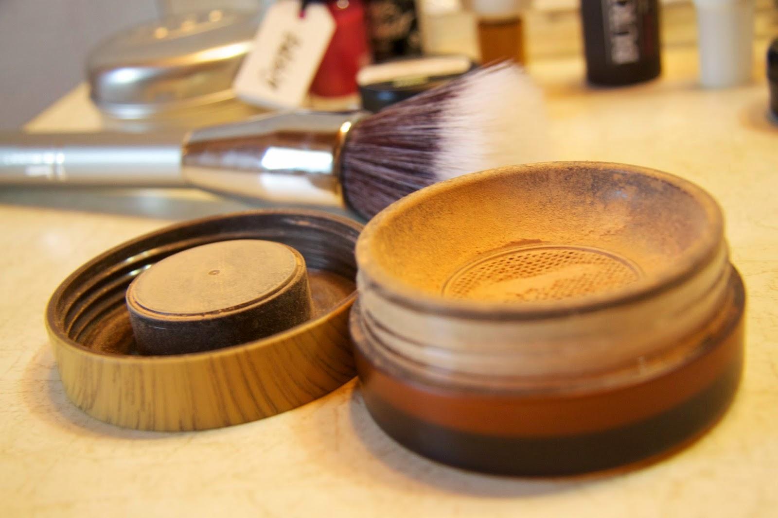 What's in my bag the Tarte Powder foundation in Light-medium beige