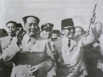 Pesan Soekarno Agar Warga Tionghoa dan Tiongkok Tidak Dihujat Mao-zedong-dan-bung-karno