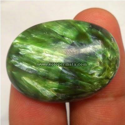 Batu Permata Seraphinite Hijau
