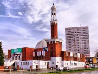 Birmingham Central Mosque in England.jpg