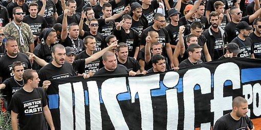 Le Mouvement en France . - Page 11 Les-ultras-manifestent-pour-soutenir-casti_456970_510x255