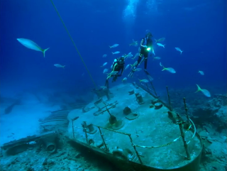 Bermuda Triangle, Underwater Pictures, Bermuda Divers, Sunken Ship in Bermuda Triangle
