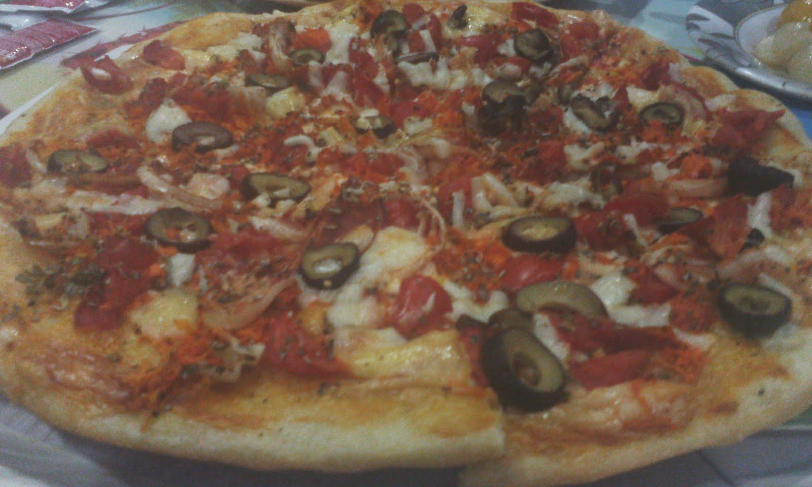 افتكــاسات طبيبة طريقة سهلة وبسيطة لعمل البيتزا الإيطالى بالفراخ اللذيذة فى البيت بالصور