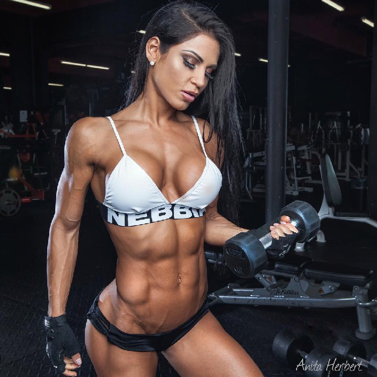 Anita Herbert, a Hungarian Fitness Model thin and curved ...