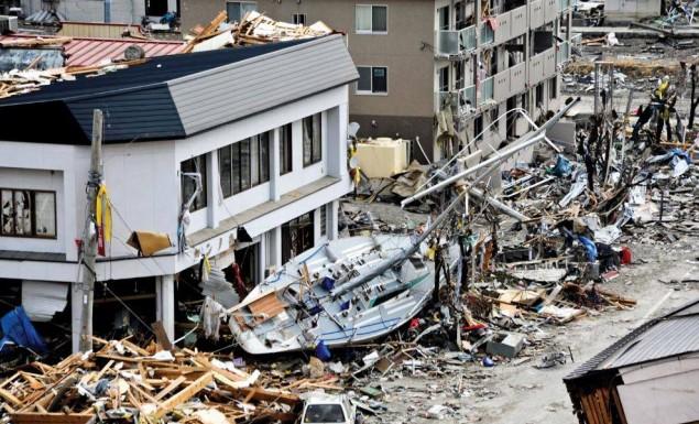 Tρομακτικός σεισμός στην Φουκουσίμα - Έφτασε τσουνάμι 1,4 μέτρων (Βίντεο)