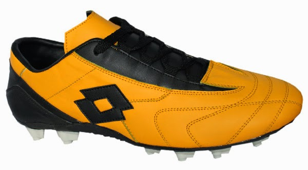 Sepatu Football Pria