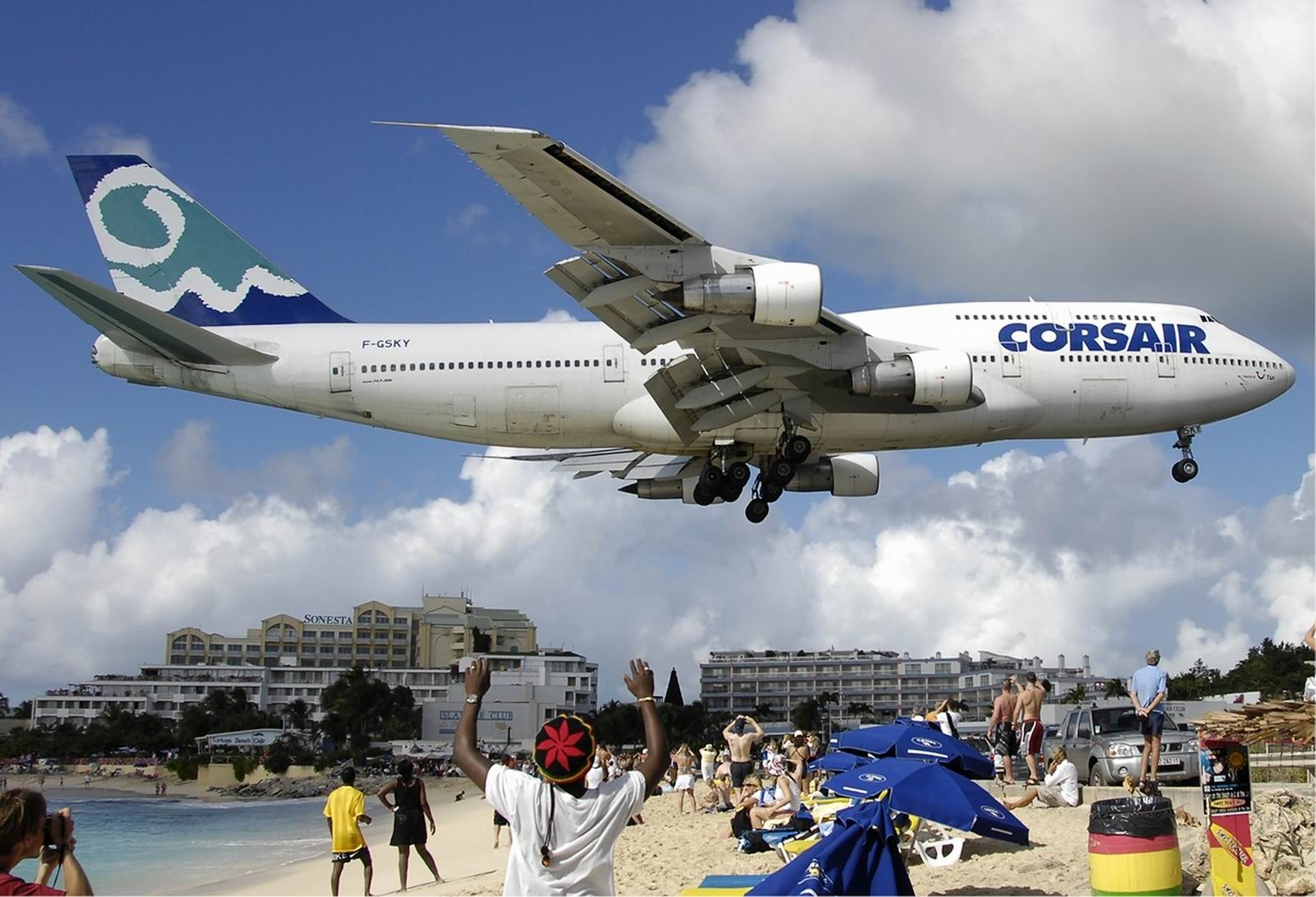 Funny Photos 4 All Princess Juliana International Airport