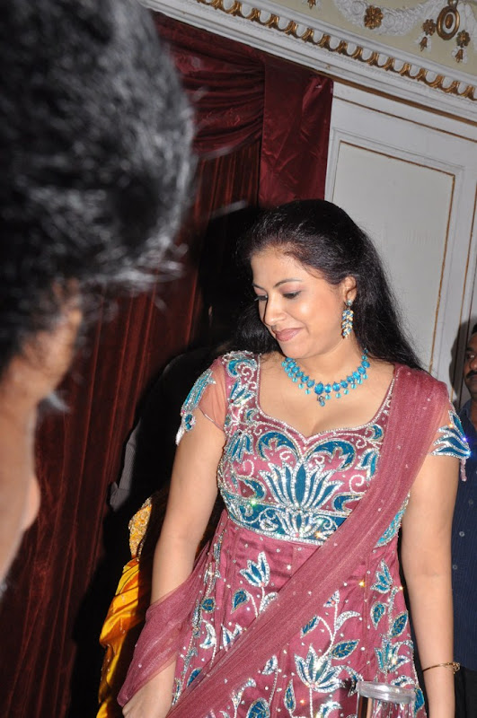 Tamil Actress Anusha Stills sexy stills