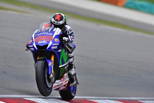 MotoGP 2015 : Ditengah drama . . akhirnya Jorge Lorenzo menjadi juara MotoGP musim 2015 ini !