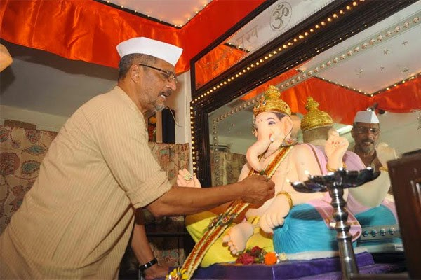Nana Patekar Celebrates Ganesh Festival at their residence