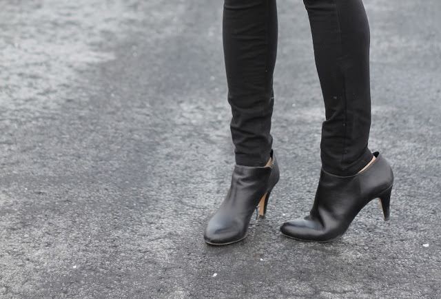 vince, camuto, vive, booties