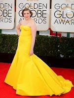 Лена Дънам жълта рокля с шлейф Златен глобус 2014