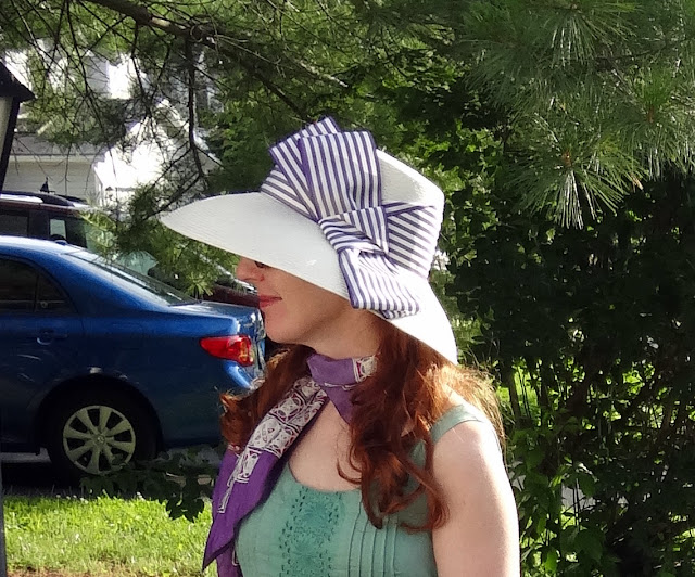 Barbara Feinman hat