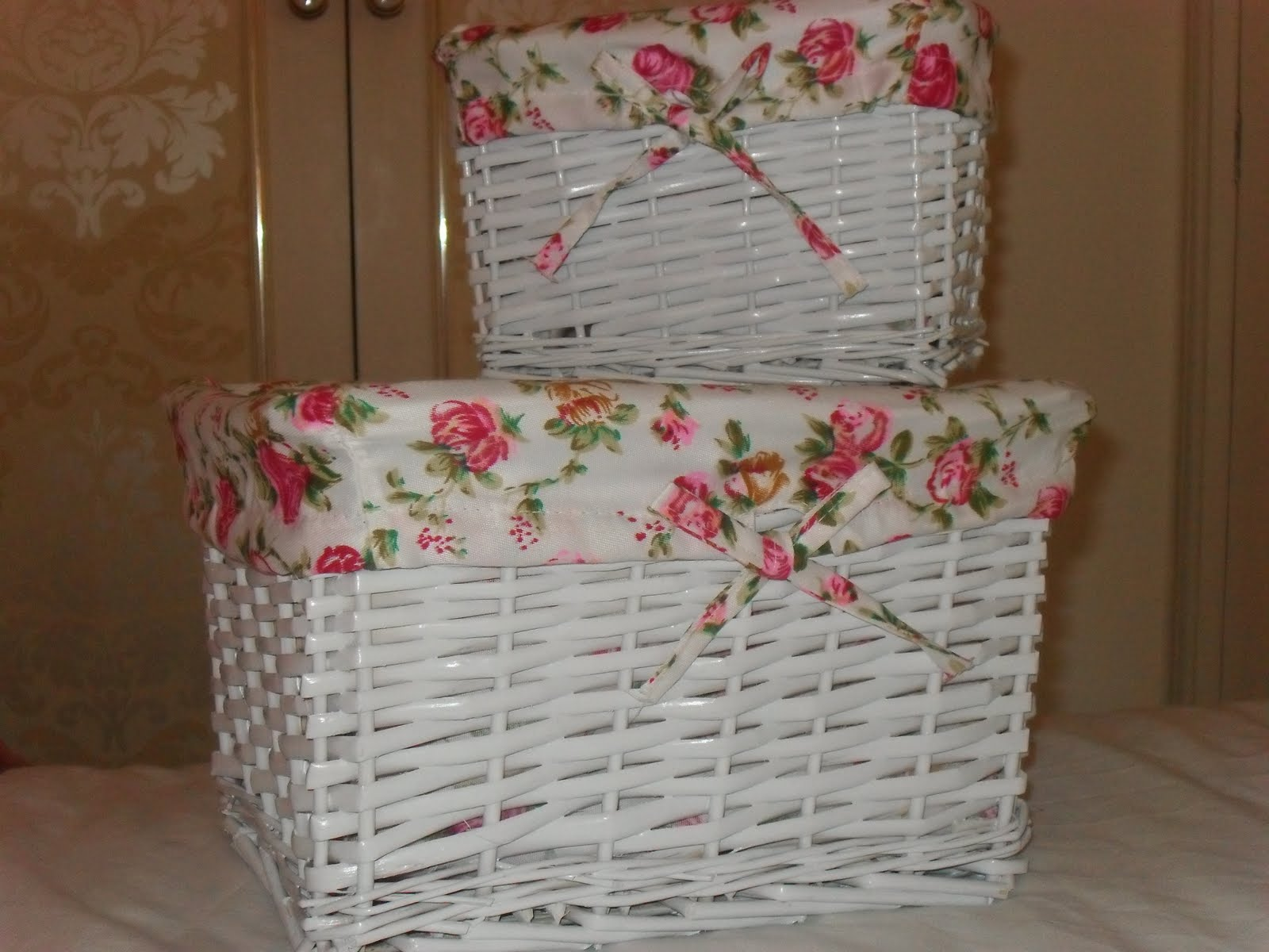I particularly like pretty storage  such as little baskets to put your  toiletries in etc  Today whilst in Tesco of all places I came across these  baskets. Little Glitter  Storage   cute   floral