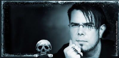 http://www.droemer-knaur.de/leselounge/8212546/markus-heitz-im-interview-zu-exkarnation