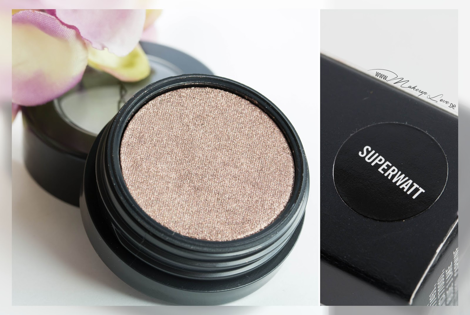 MAC A novel of romance LEl Electric Cool Eye Shadow Superwatt