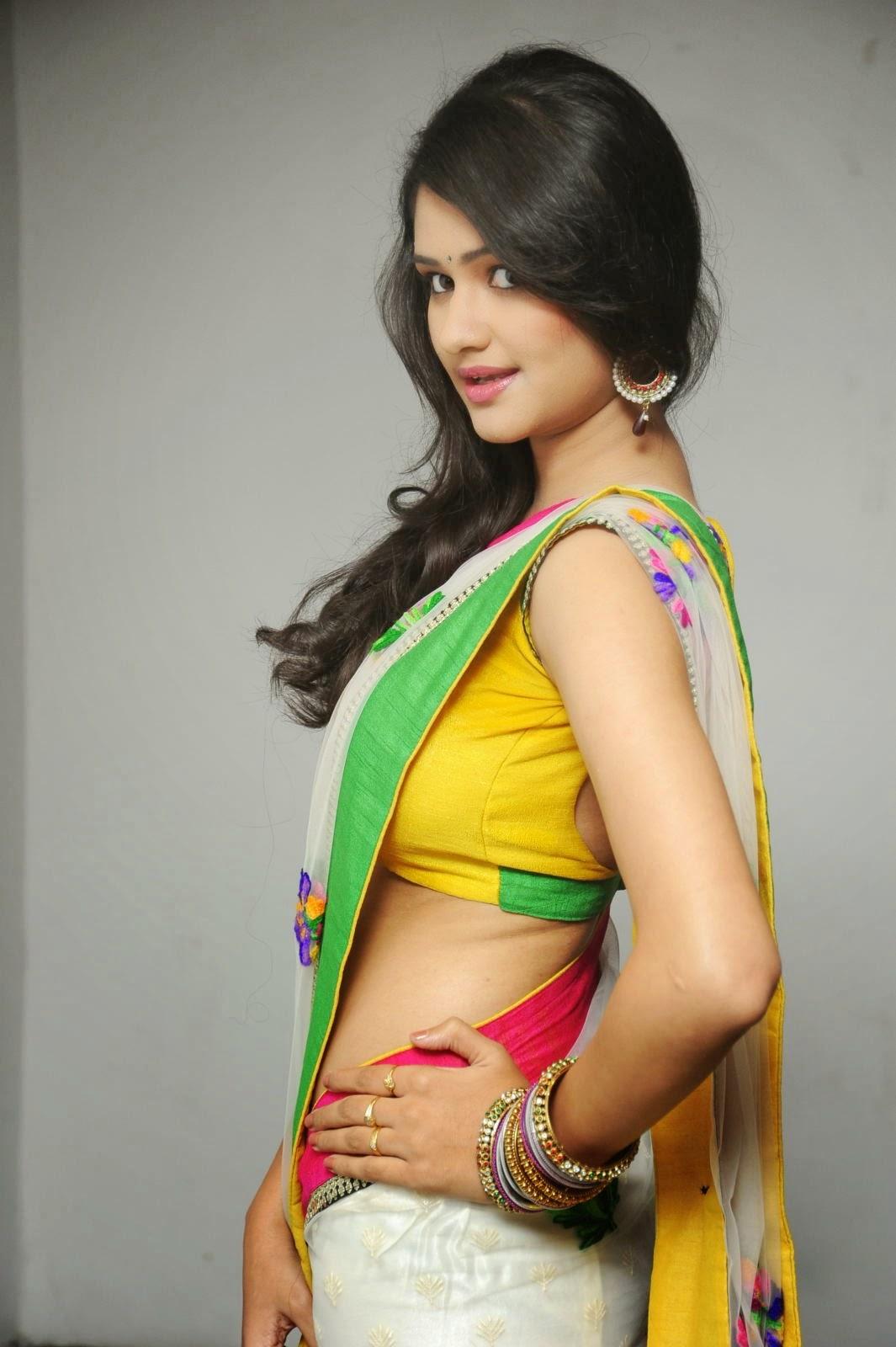Priyanka Chopra Hot Bikini, Bra, Swimsuit, Navel, Cleavage