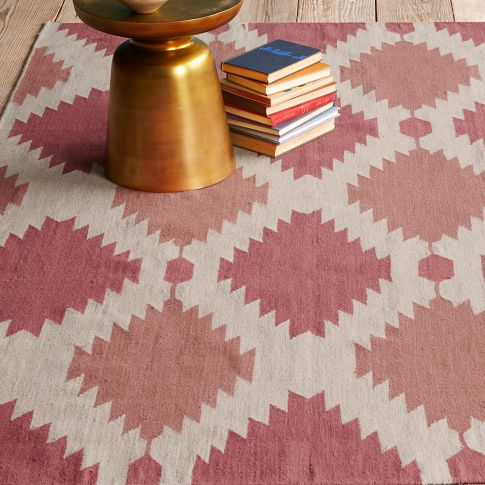 pink rug, geometric, flat weave, fresh, pale decor