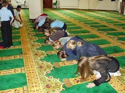 A Islamização do Brasil: Mais uma tentativa de obrigar o ensino do islamismo nas escolas, desta vez no Rio de Janeiro