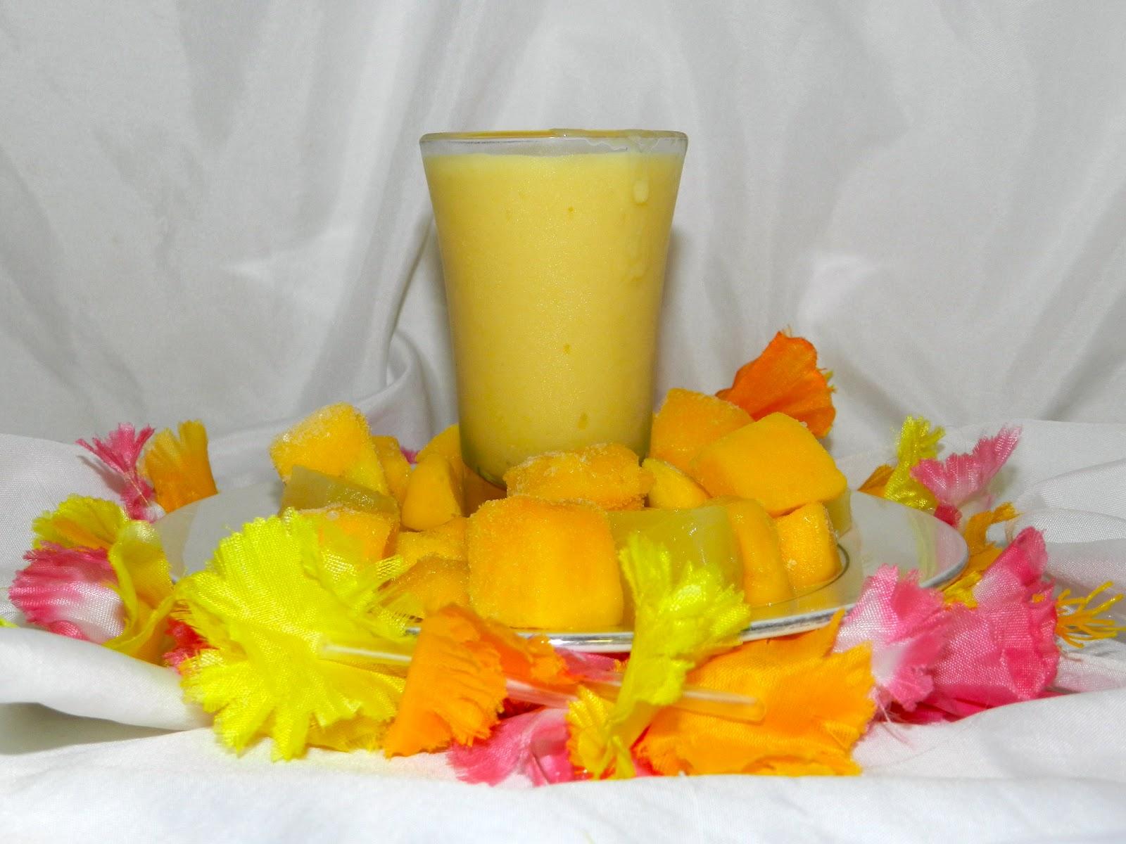 Kate's Kitchen: Mango Pineapple Smoothie