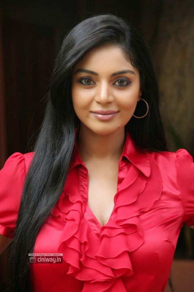 Actress-Sanam-Shetty-Latest-Stills-at-Thottal-Vidathu-Press-Meet