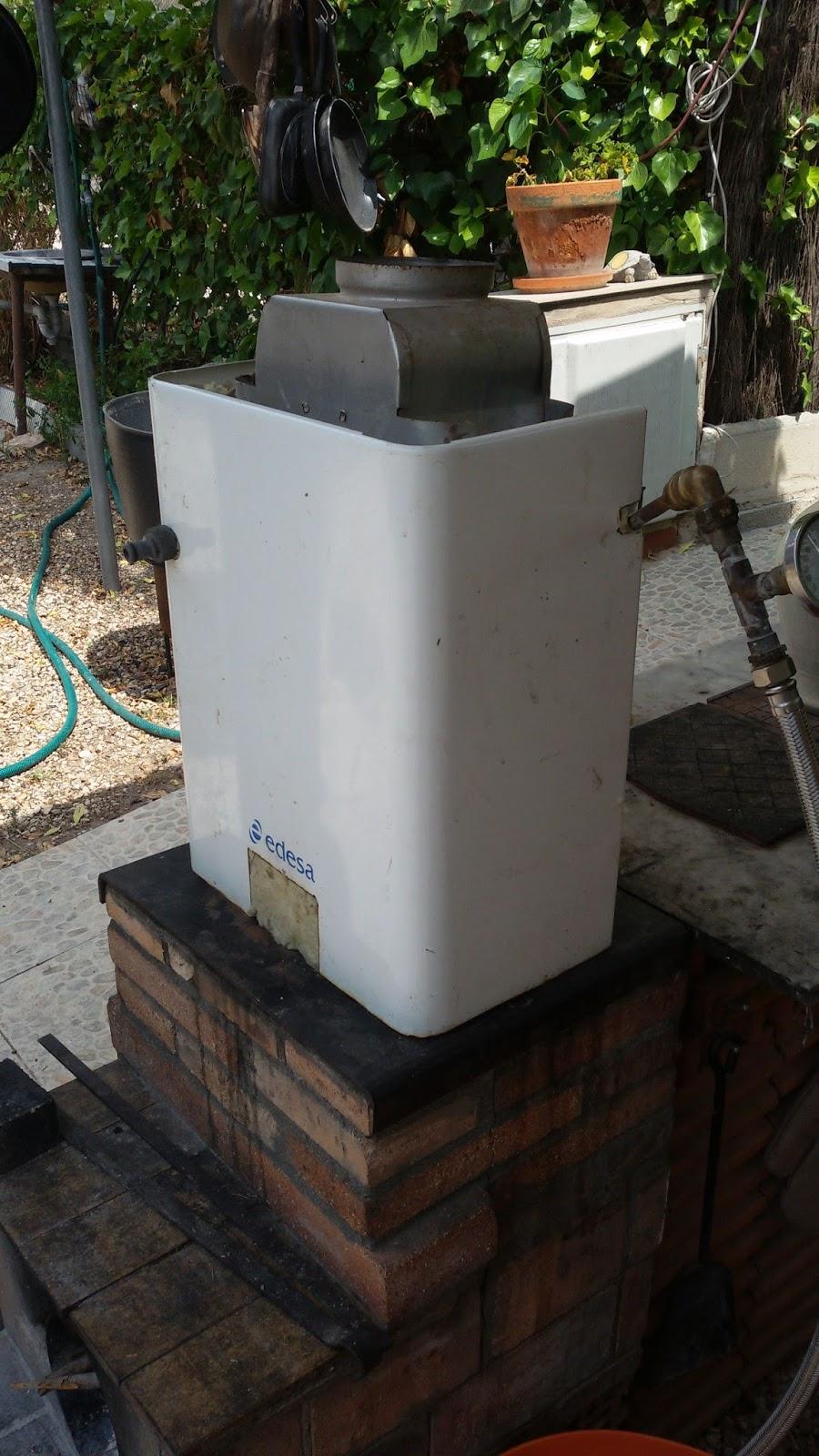Energia solar casera y utiles calentador de agua con le a - Como hacer una cocina de lena ...