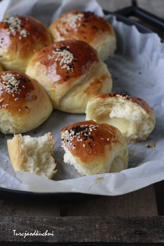 Bułeczki poğaça z żółtym serem / Kaşar peynirli poğaça