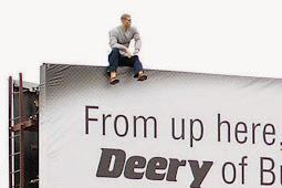Gara-gara Iklan Billboard, Panggilan Darurat Polisi Ramai