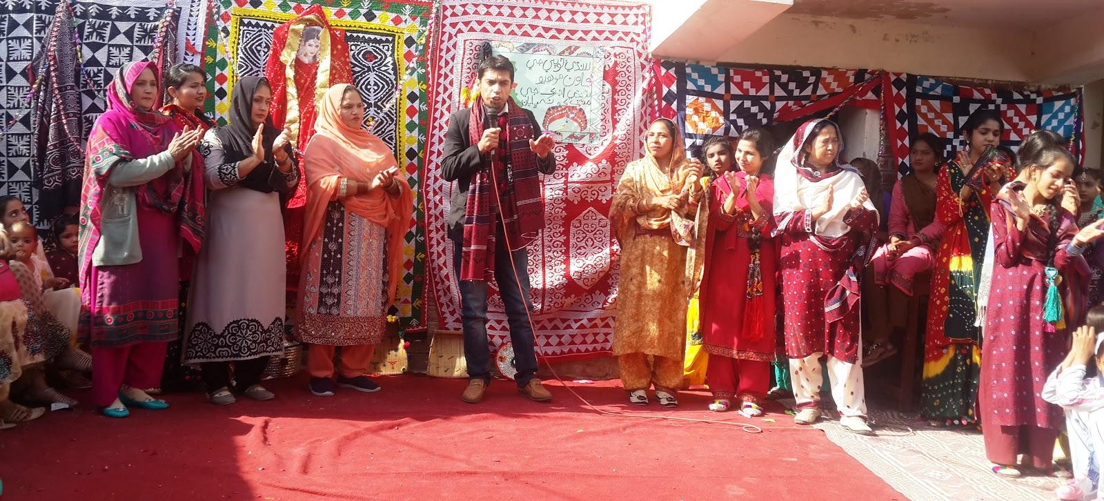 sindhi culture Sindhi topi and ajraksindhi topi and ajrak sindhi topi(cap):sindhi topi(cap): sindhi topi is regarded assindhi topi is regarded as an essential part of sindhian essential part of sindhi culture and symbol ofculture and symbol of sindhi nationalismsindhi nationalism.