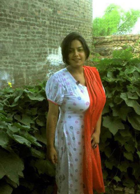 April Flores, nude punjabi girl in salwar
