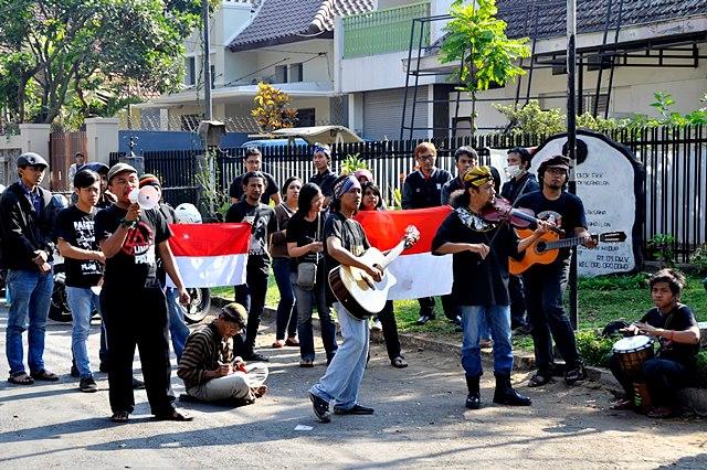 Kemerdekaan Dan Industri Musik Tanah Air