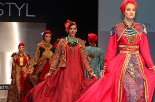 Fashionholic: Koleksi Busana Muslim Dian Pelangi Di Styl Kabo Ceko