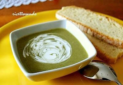 Vellutata di spinaci ricetta base di minestra di verdure
