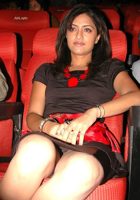 Mamtha Mohandas Hot Photos