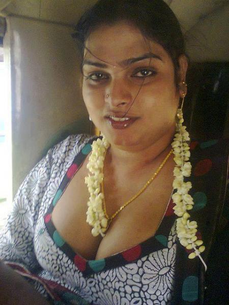 Aunties (கொழுக் மொழுக் ஆன்டிகள்) - HD Latest Tamil Actress ...