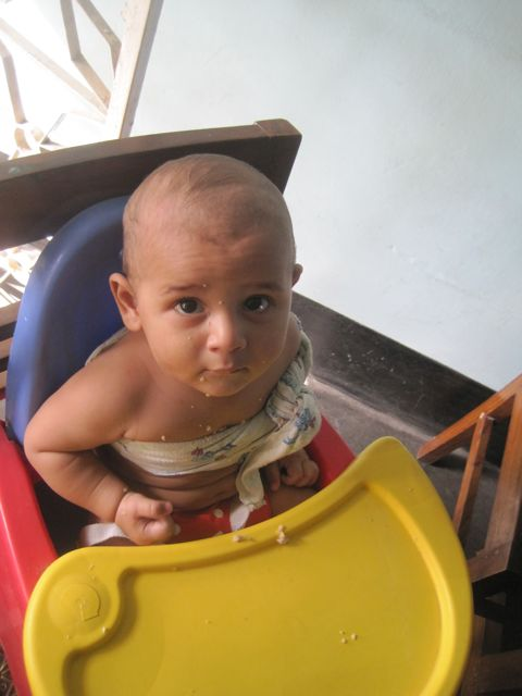 doesn t learn to eat neatly just because they have a broken collarbone-4.bp.blogspot.com