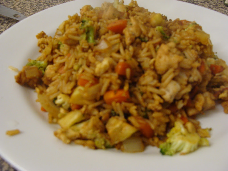 The College Cuisiner: WIAW #10: Chicken and Broccoli Fried Rice
